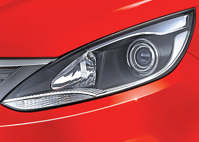 Tata Bolt Smoke Projector Headlamps