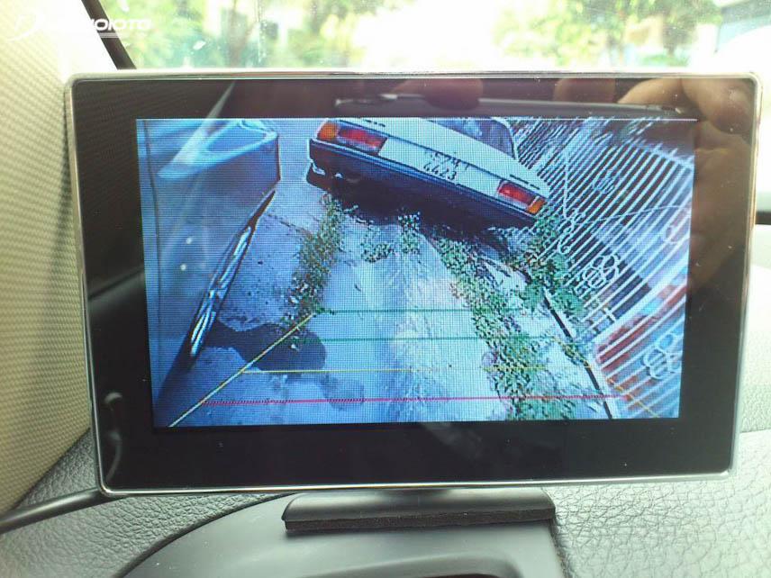 Camera tiến giúp khắc phục điểm mù ở góc phần tư bên phải phía trước