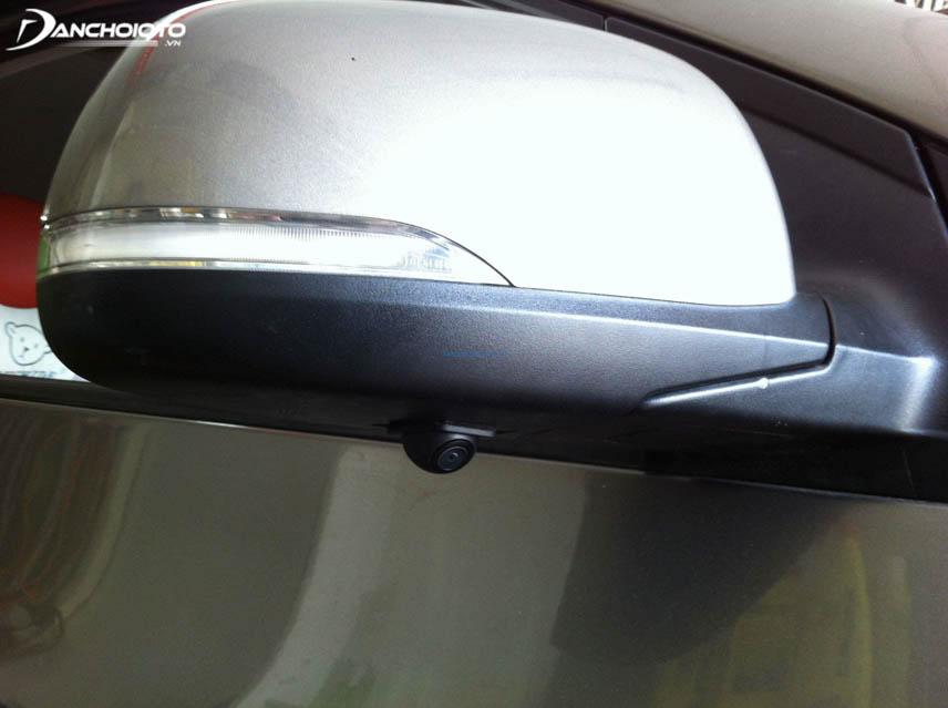 Lắp camera hông xe giúp ôm cua an toàn