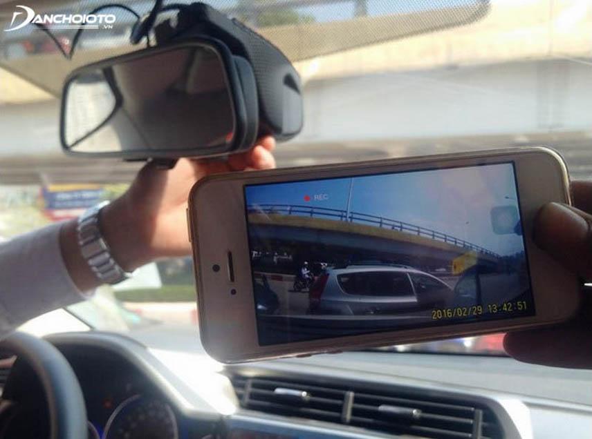 Camera hành trình kết nối với điện thoại sẽ sử dụng tiện hơn