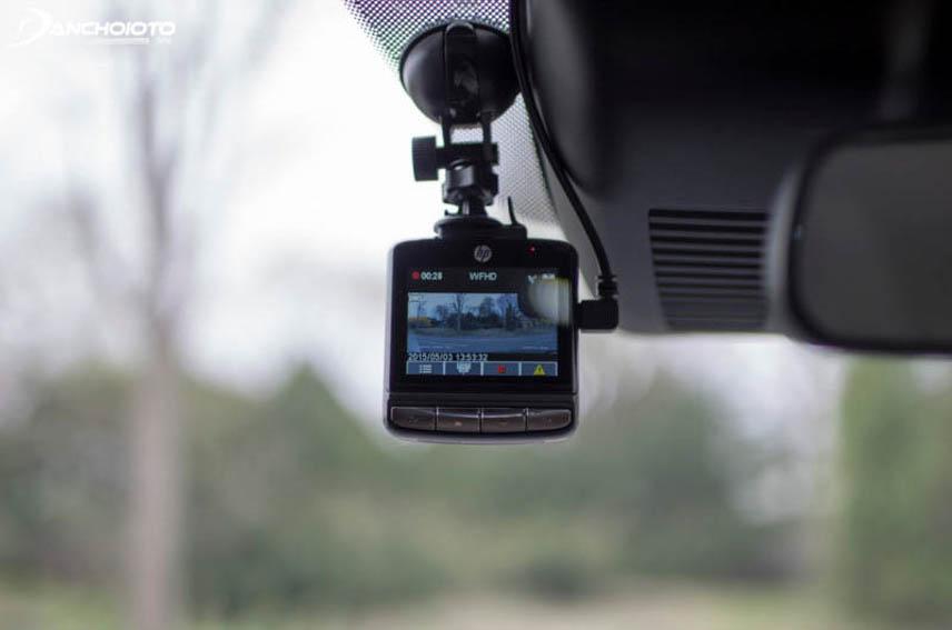 Camera sẽ tự bật khi xe khởi động