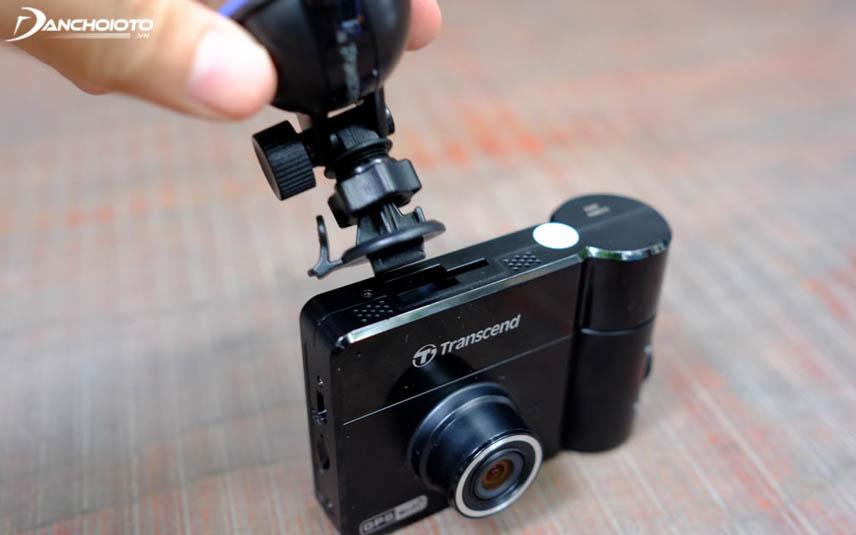 Nên chọn camera hành trình có kiểu dáng nhỏ gọn