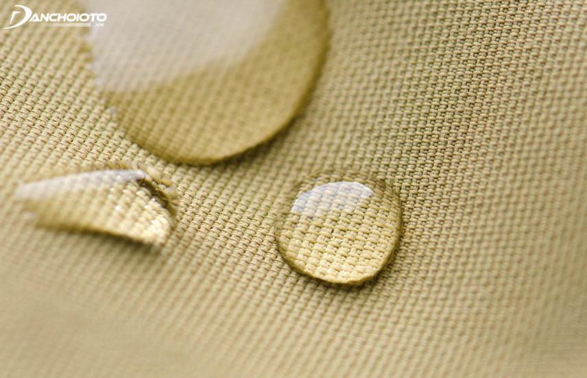 Vải polyester chống chịu tốt nên bền hơn