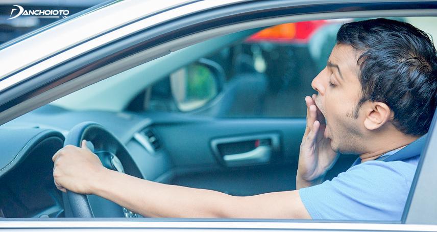 Khi có dấu hiệu buồn ngủ không nên lái xe