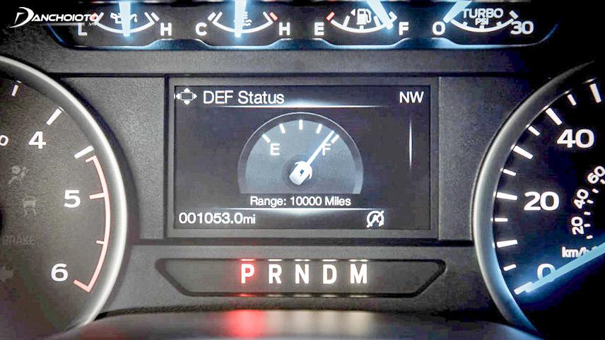 Việc chuyển số sẽ nhẹ nhàng và an toàn hơn nếu lái xe lựa chọn đúng số vòng tua