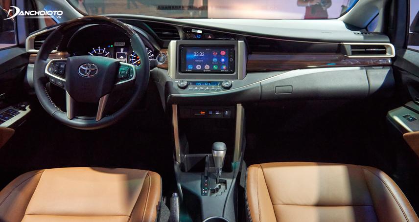 """Nội thất Toyota Innova """"lột xác"""" hoàn toàn ở thế hệ thứ hai"""