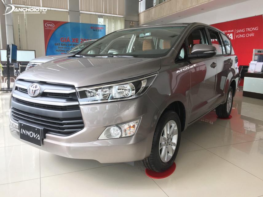 Toyota Innova 2.0E chính là sự lựa chọn tốt nhất với người mua xe chạy dịch vụ
