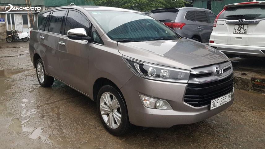 Toyota Innova 2.0V có giá bán khá cao