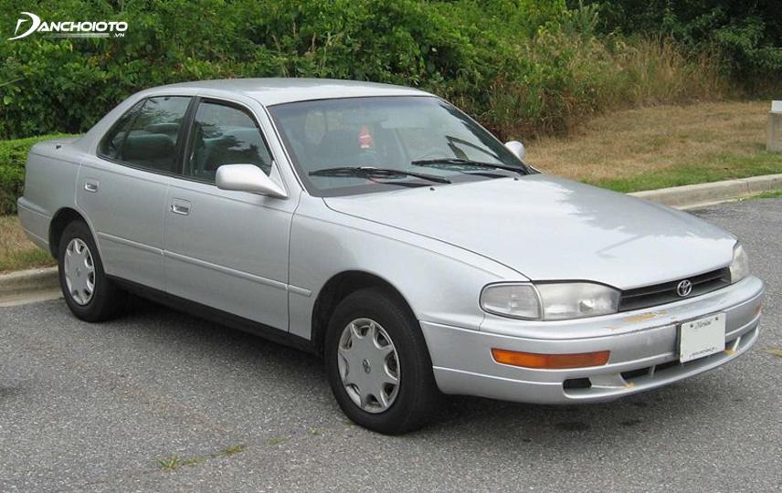 Toyota Camry thế hệ thứ ba ra đời tại Mỹ năm 1992