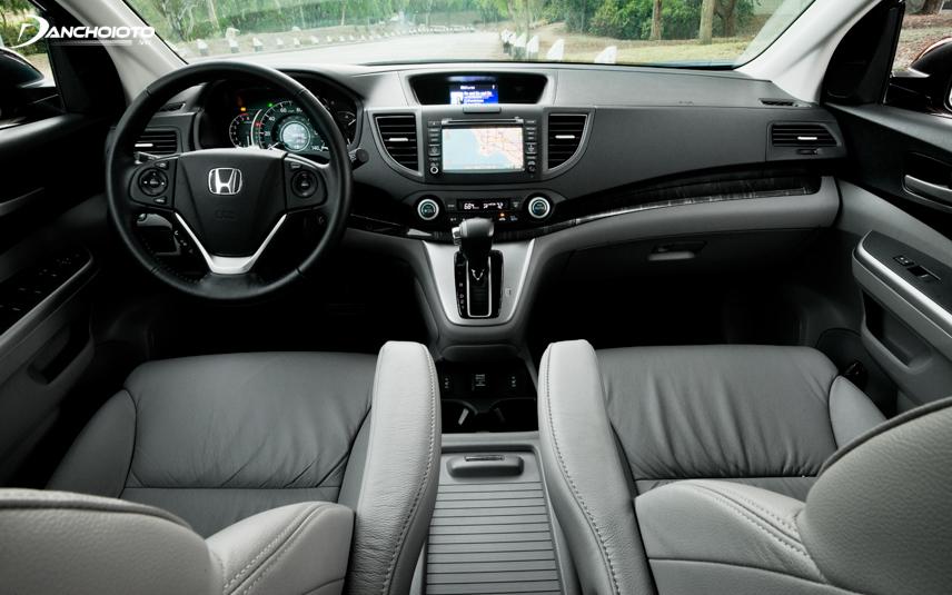 Nội thất Honda CR-V 2013 - 2014 đặc trưng với taplo 2 tầng - 2 màn hình