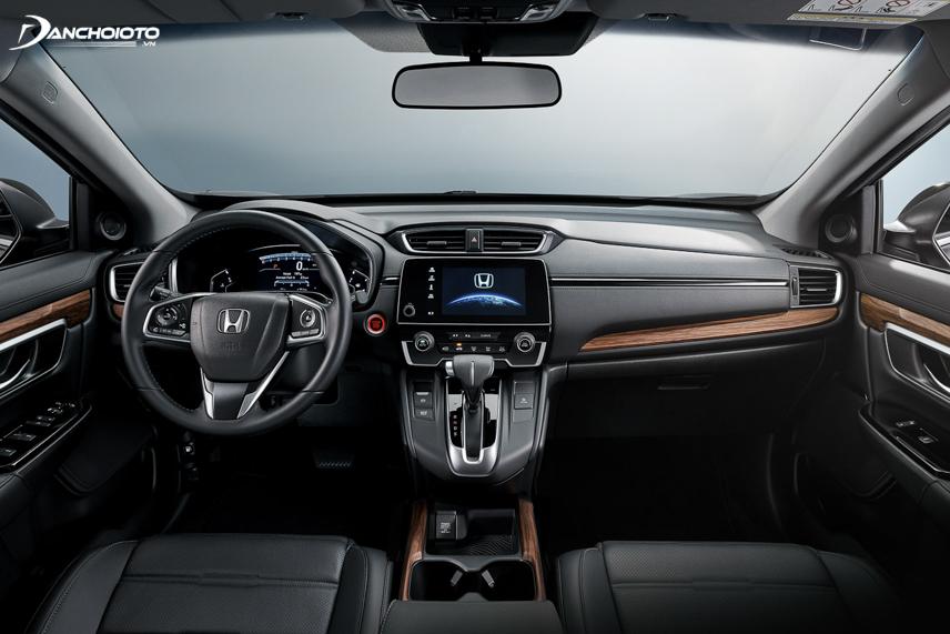 Taplo Honda CR-V thế hệ thứ 5 được tinh chỉnh gọn hơn, sử dụng ốp gỗ trang trí màu sáng hơn