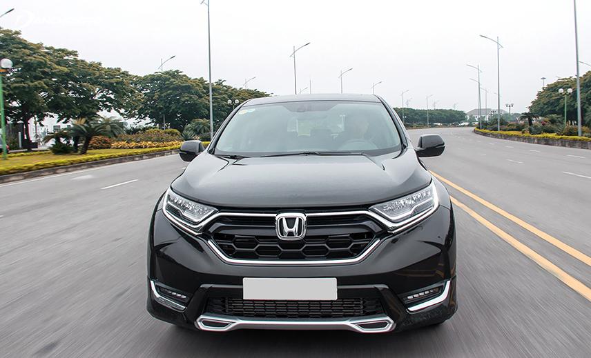 Honda CR-V là một trong những mẫu xe crossover 5 gầm cao xuất hiện sớm nhất ở nước ta