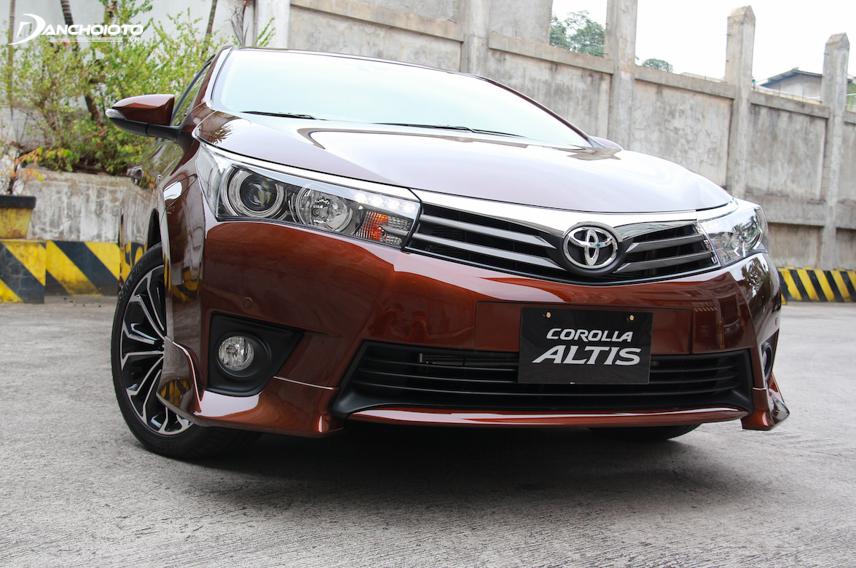 Toyota Corolla Altis 2015 - 2016 đầy hiện đại, sang trọng