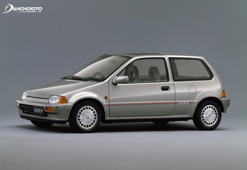 Honda City thế hệ thứ hai được giới thiệu lần đầu vào năm 1986