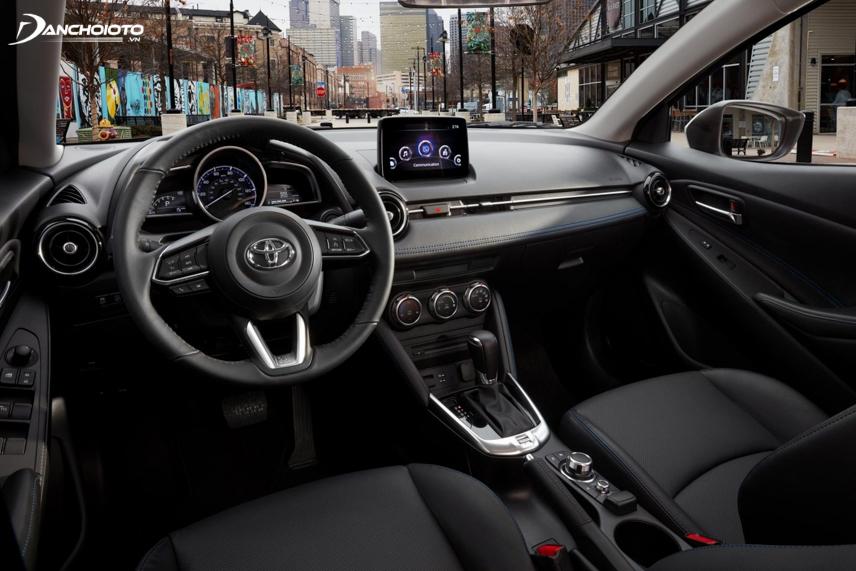 Vô lăng Mazda 2 2018 facelift được chỉnh lại giống với vô lăng Mazda 3 bản facelift