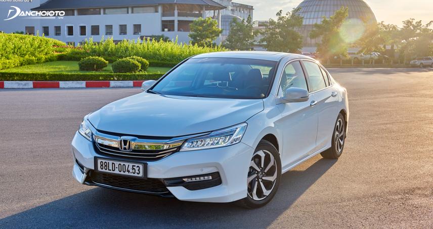 Honda Accord 2016 - 2017 mang nét đặc trưng của thế hệ 9