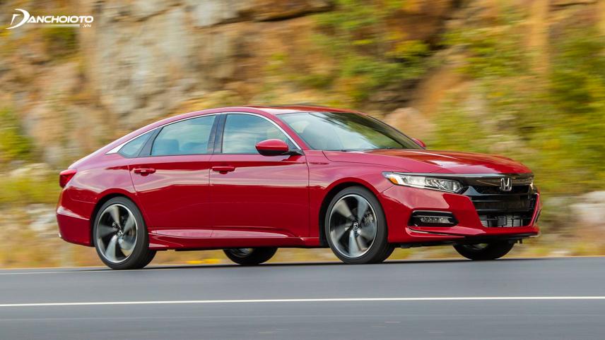 """Honda Accord cho cảm giác """"bốc và sướng chân"""" hơn rất nhiều"""