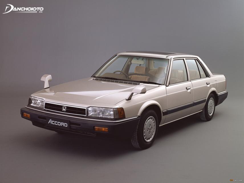 Honda Accord thế hệ thứ 2 được trình làng vào năm 1982