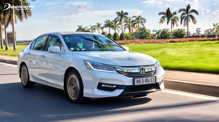 Honda Accord 2016 có sự nâng cấp với thiết kế ngoại thất xe có nhiều đổi mới đáng kể