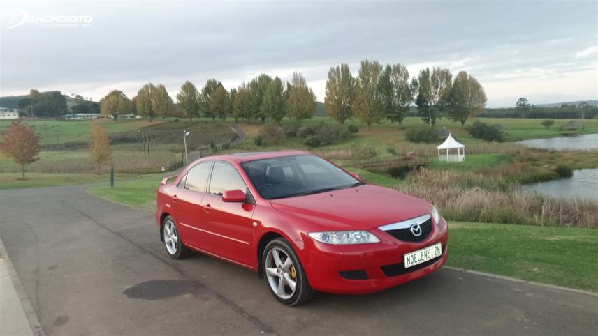 Mazda 6 2004 - 2005 mang nét đặc trưng của thế hệ thứ 1