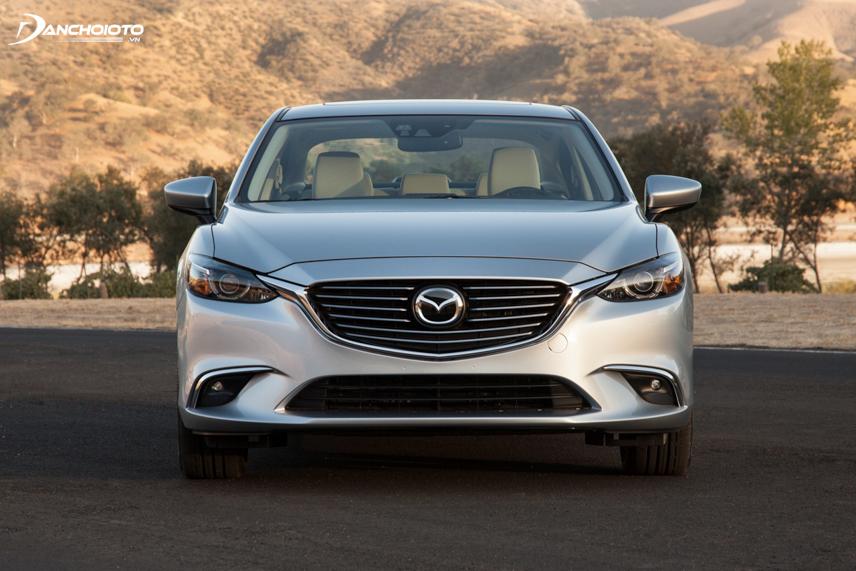Mazda 6 2016 có lưới tản nhiệt chuyển sang các thanh mạ chrome