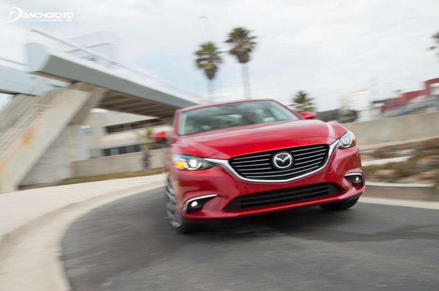 Mazda 6 vận hành rất đầm chắc ở tốc độ cao