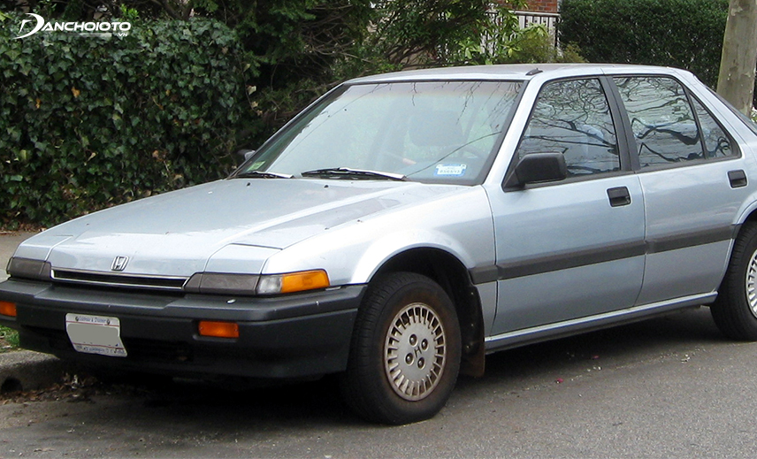 Honda Accord thế hệ thứ 3 được trang bị động cơ dung tích 2.0 lít