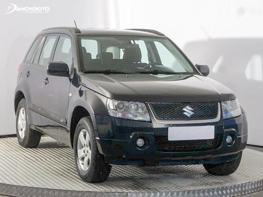 Khả năng vào cua ổn định ở tốc độ cao là ưu điểm của Suzuki Vitara 2011 – 2012
