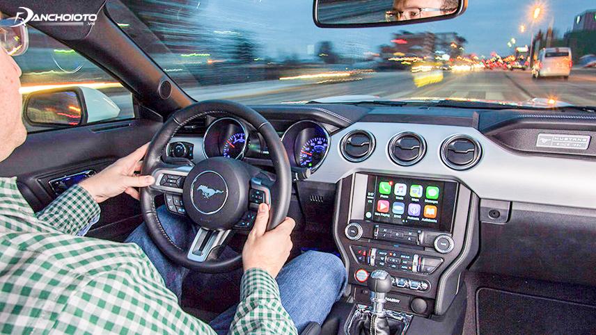 Giảm thao tác, tập trung lái xe