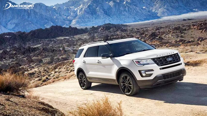 Ford Explorer có nhiều chế độ hỗ trợ lái với cả offroad cho người mới tập lần đầu
