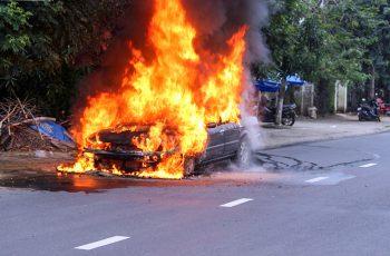 Có nên mua bảo hiểm cháy nổ xe ô tô hay không?