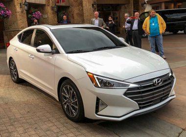 Hyundai Elantra 2019 đổi mới phong cách cá tính hơn