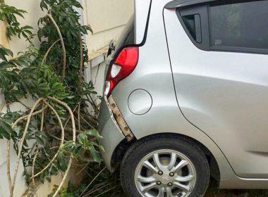 Những lưu ý khi lùi xe ô tô để tránh tai nạn