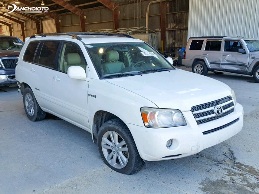 Toyota Highlander 2006 có chất liệu cũng tương đối chất lượng và vô cùng bắt mắt