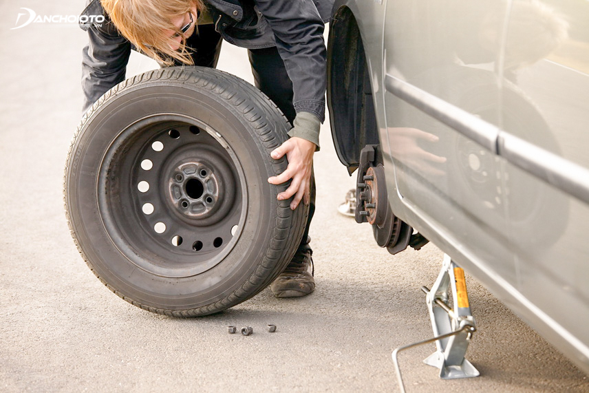 Lốp xe có thể bị mòn nhanh do tăng, giảm ga không đều