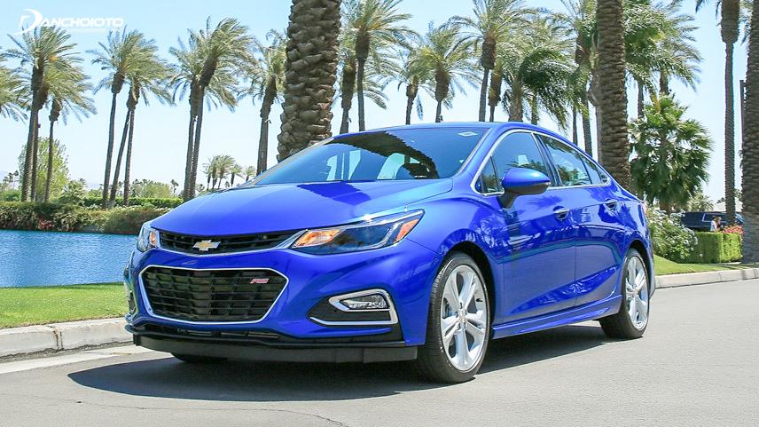 Chevrolet Cruze cho khả năng vận hành phấn khích nhờ hộp số sàn 5 cấp