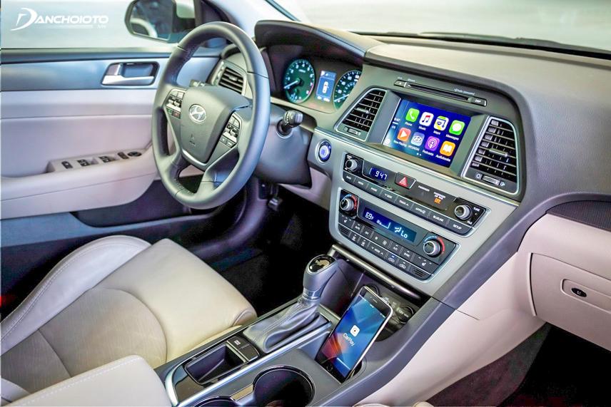 Hệ thống hỗ trợ liên kết giữa thiết bị di động và xe ô tô