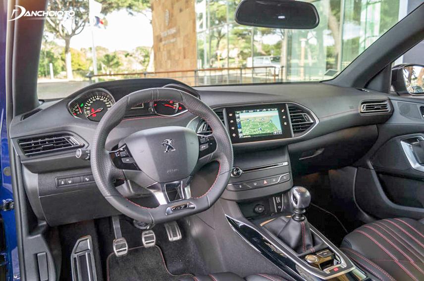 Peugeot 308 2015 sở hữu dàn trang bị tiện nghi hiện đại nhất nhì phân khúc