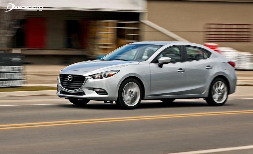 Mazda 3 sedan được đánh giá sang trọng, lịch lãm