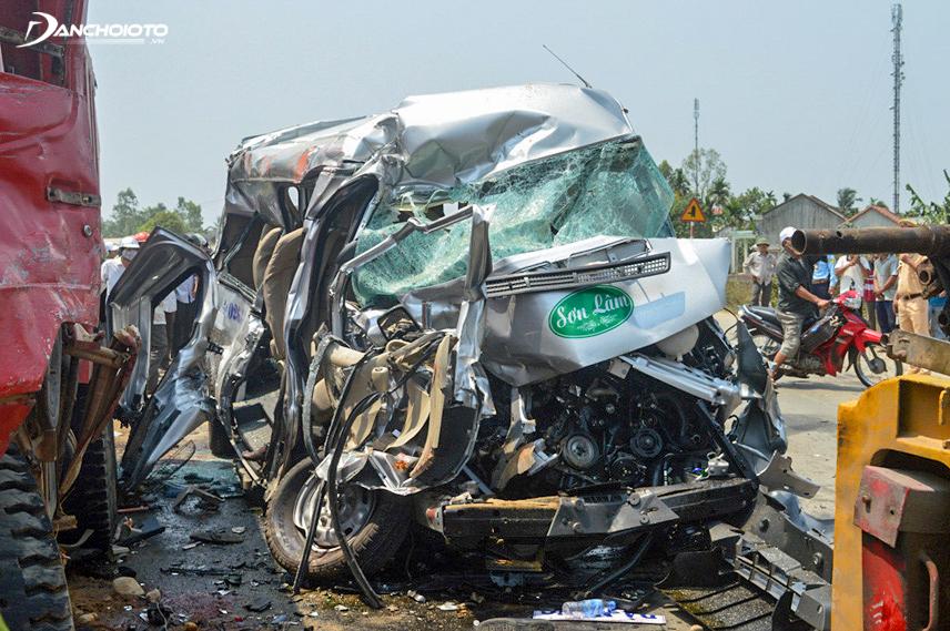 Khi xảy ra tai nạn cần gọi cấp cứu và công an ngay