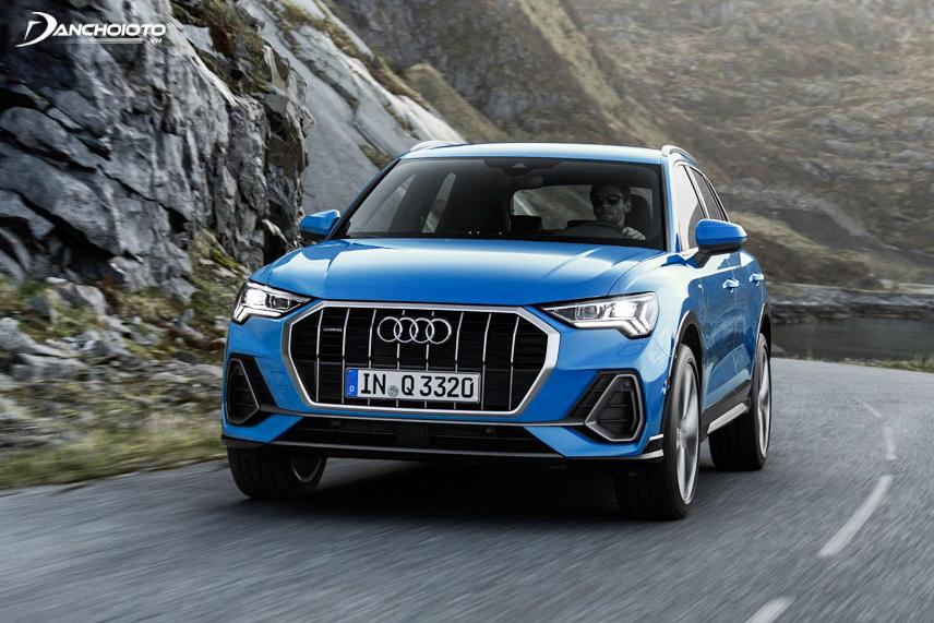 Audi Q3 cho cảm giác vận hành hơi chậm so với GLA