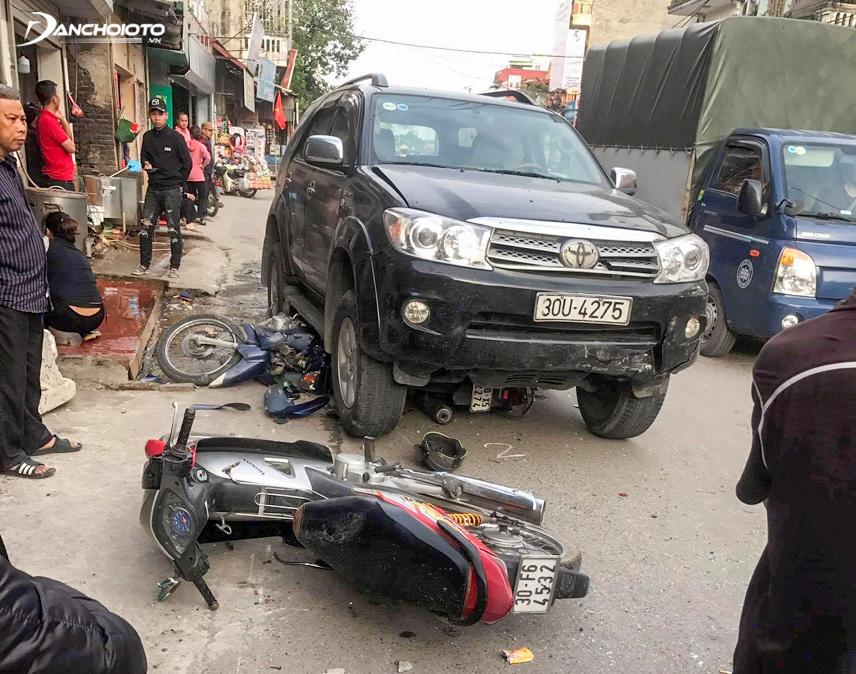 Người sử dụng xe gây tai nạn sẽ phải chịu trách nhiệm về trách nhiệm hình sự