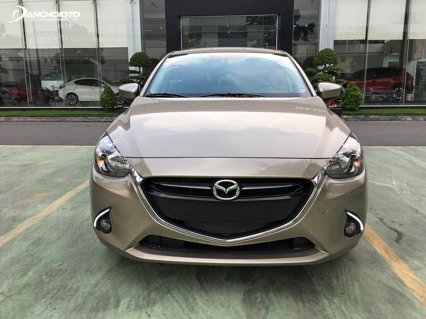 Phần đầu có thiết kế đẹp mắt trên Mazda 2 2018