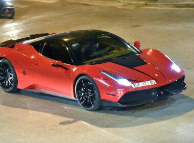 """Ferrari 458: Mạnh mẽ """"quyến rũ"""" đến ngất ngây"""