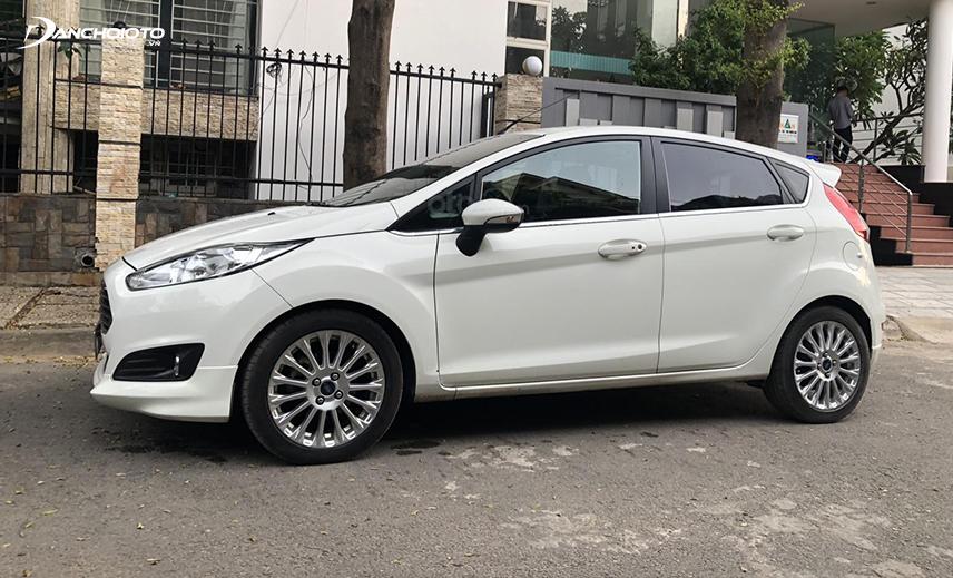 Nếu mua xe Ford 400 triệu cũ, bạn có thể chọn Ford Fiesta 2016 - 2017 cũ