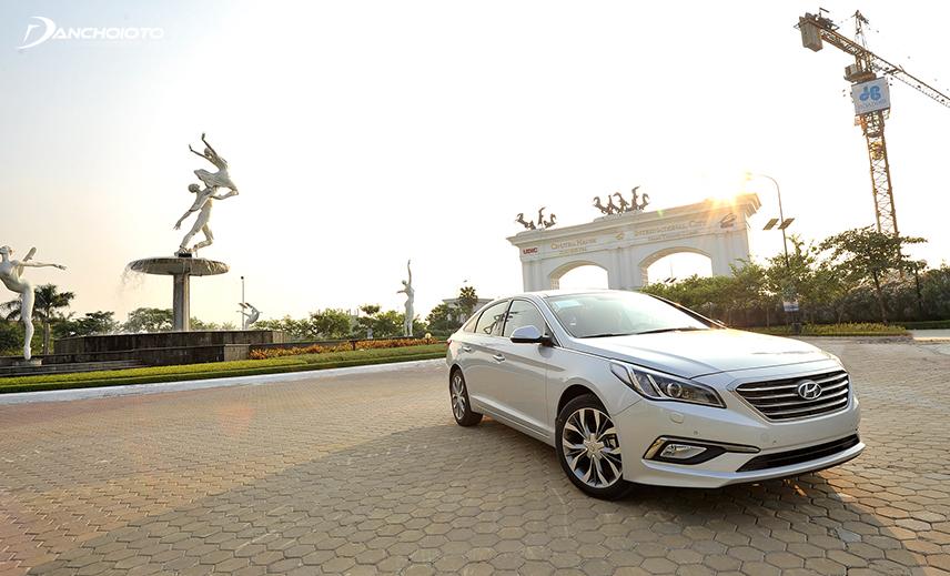 Mua xe 5 chỗ tầm 600 triệu, Hyundai Sonata 2013 - 2014 cũ là một gợi ý rất đáng tham khảo