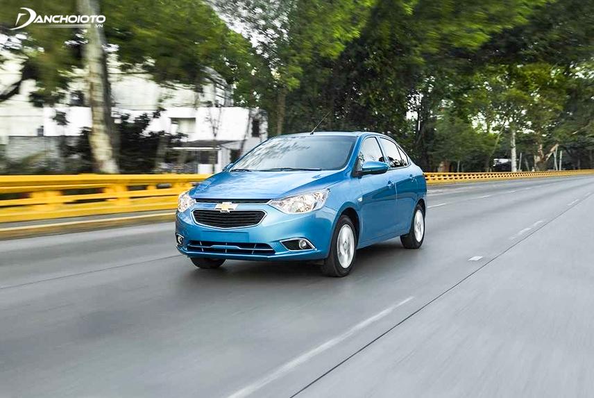 Diện mạo của Chevrolet Aveo 2018 là sự kết hợp giữa nét cứng cáp của xe Mỹ và sự uyển chuyển từ xe Hàn