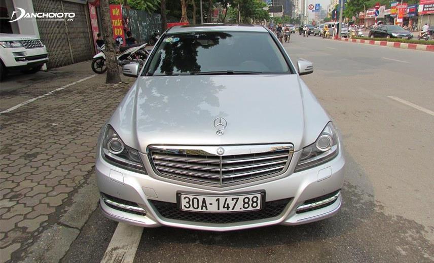 Mercedes A Class cũ đời 2013 - 2014 là một mẫu hatchback cũ 800 triệu có kiểu dáng nhỏ gọn