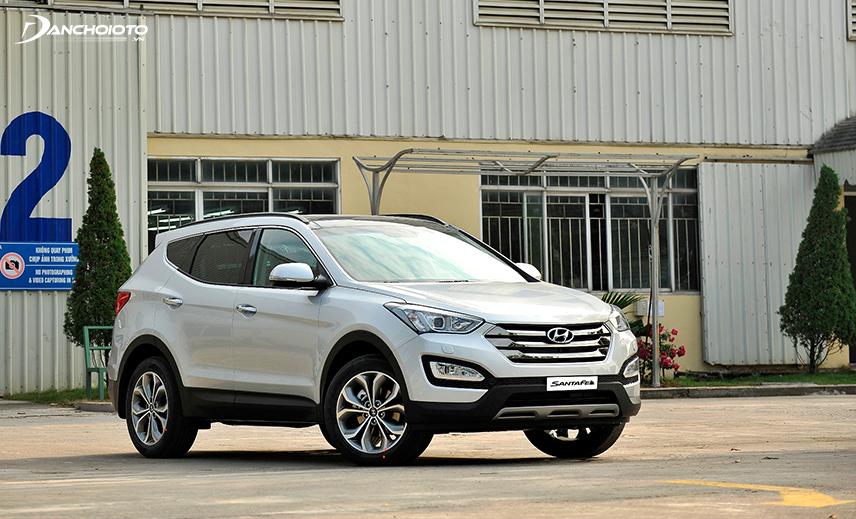 Mua xe 7 chỗ gia đình cũ tầm 800 triệu, Hyundai SantaFe cũ 2014 - 2015 rất đáng cân nhắc
