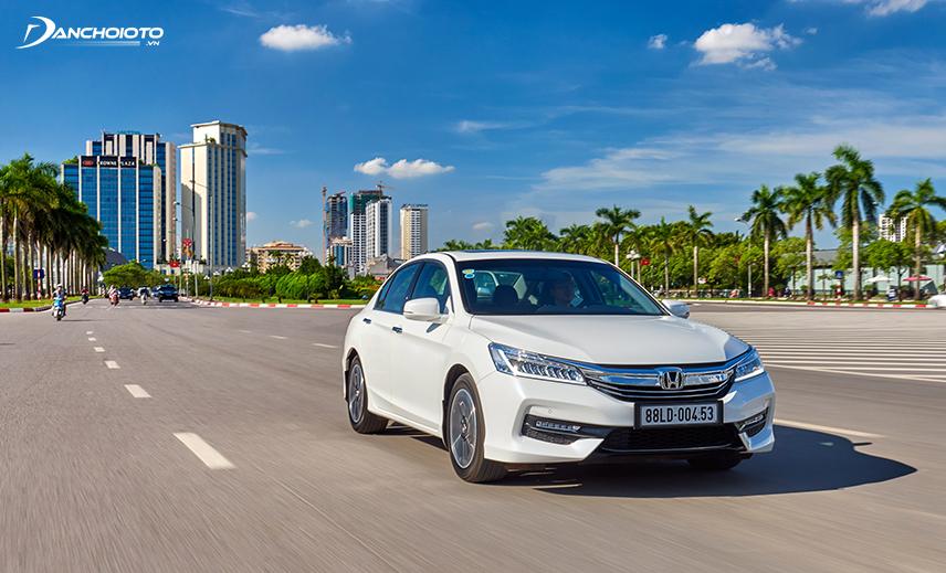 Mua xe hơi cũ khoảng 800 triệu, Honda Accord cũ đời 2015 - 2016 là lựa chọn kinh tế, trải nghiệm lái mạnh mẽ